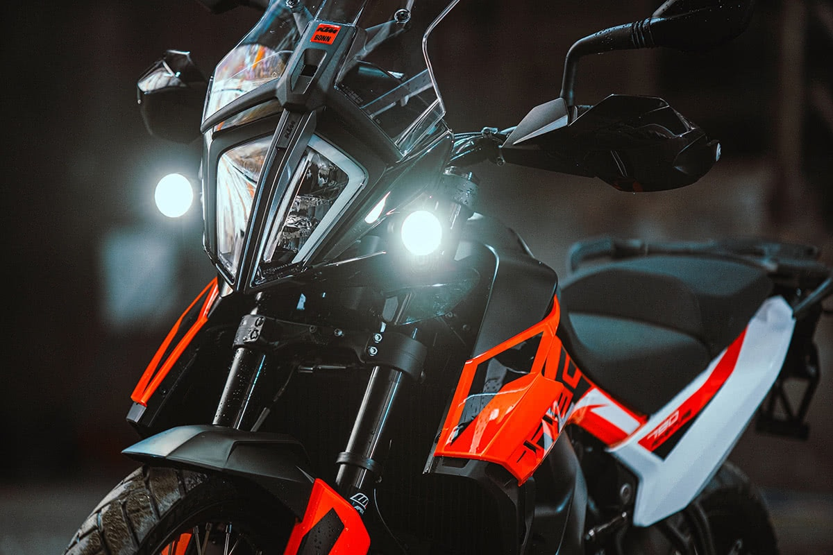 KTM with position light Kellermann Daycan® I