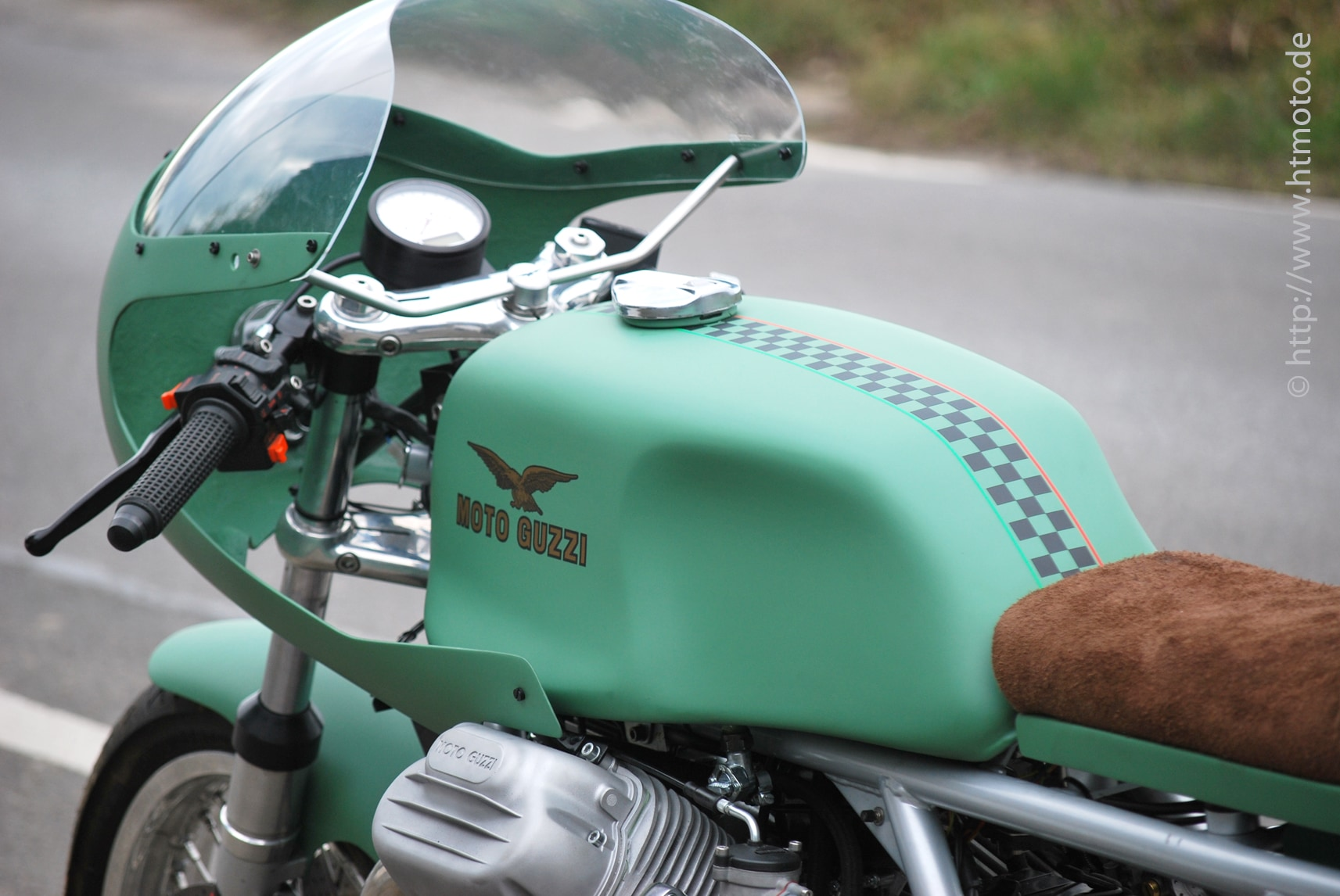 Moto Guzzi with BL 2000 indicators